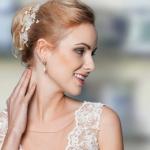 Brautfrisur, Brautschmuck: Sky Lange-Ford, Cherie - Haarblüten, Foto: Lohrengel